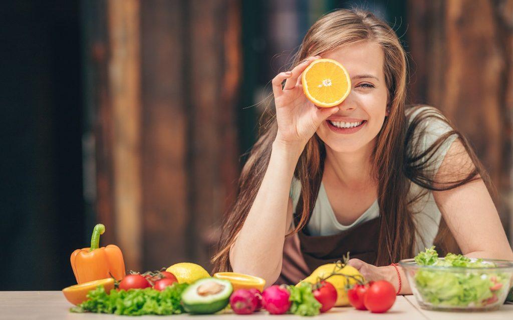 Υγιεινό πρωινό με φρούτα