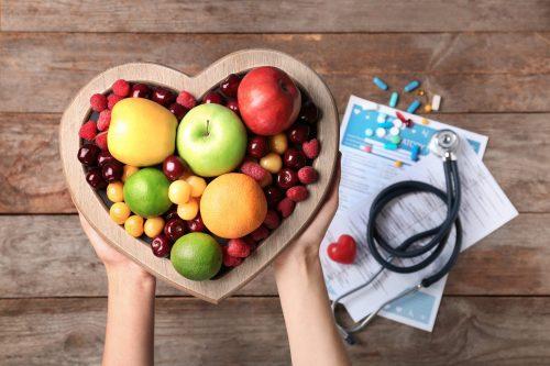 Πιάτο σε σχήμα καρδιάς με φρούτα