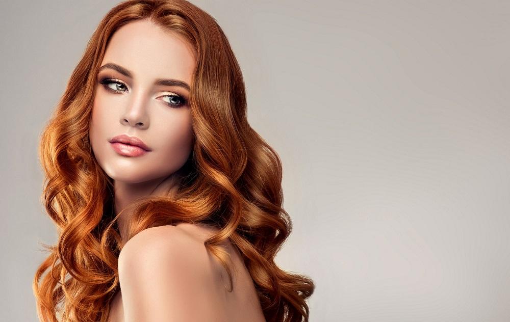 Πώς να δημιουργήσετε τη σωστή ρουτίνα περιποίησης μαλλιών για εσάς