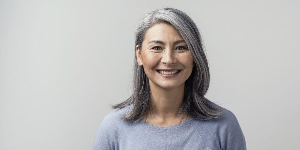 Γυναίκα 50 χρονών που φαίνεται νεότερη