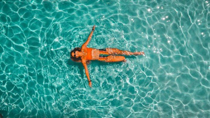 Κολύμβηση στη θάλασσα