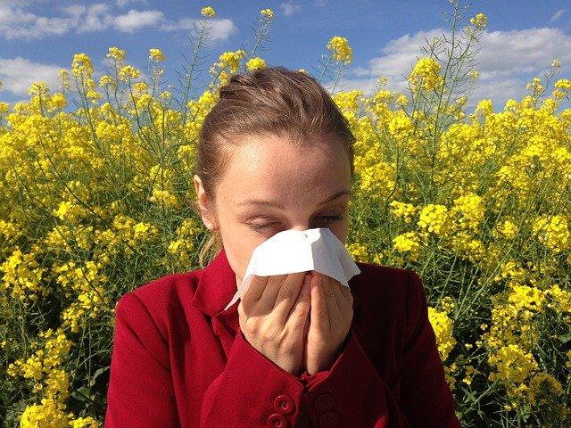 Πώς να αντιμετωπίσετε μια αλλεργική αντίδραση