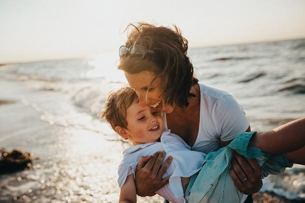 Σύνδεση μεταξύ παιδιού και γονέα