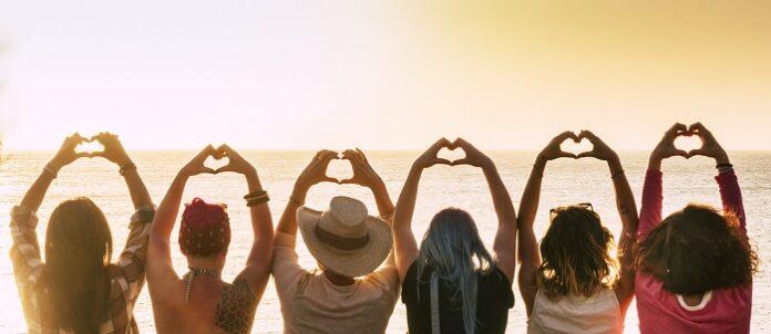 Γυναίκες στον ήλιο και τη θάλασσα